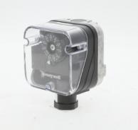 "Honeywell C6097A3004 Gas Pressure Switch 1/4"" NPT  0.4"" to 5.0"" W.C."